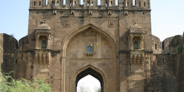 1024px-Rohtas_Fort_Zohal_Gate